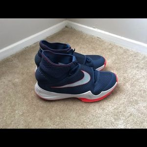 Nike HyperRev 'Unv. Illinois' Basketball Sneaker